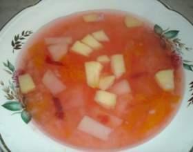 Витаминный яблочный суп на отваре шиповника фото